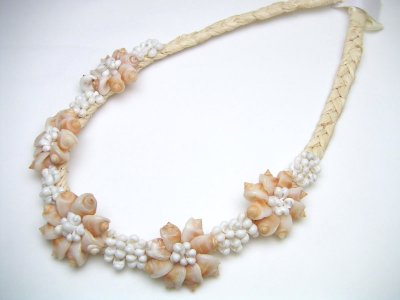 Frog Shell with White Mongo Shell Raffia Necklace