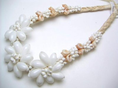 White Bubble Shell with White Mongo & Frog Shell Raffia Necklace