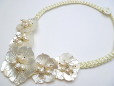 5 White MOP Flower with White Pearl Necklace