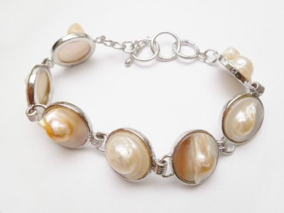 Round Mabe Pearl Bracelet