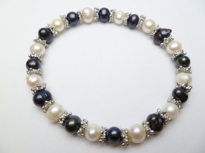Black & White Genuine Fresh Water Pearl Bracelet w/Pewter Spacer