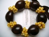 Brown Kukui Nut with Yellow Mongo Shells Stretchy Bracelet