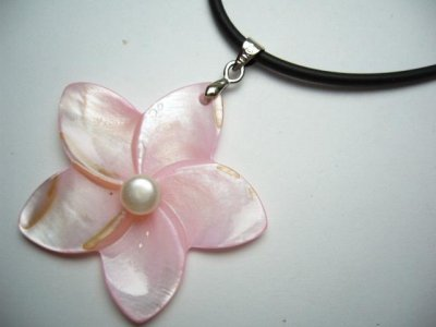 40mm Light Pink MOP Flower with Pearl w/Rubber Cord Necklace