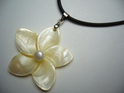 40mm Yellow MOP Flower with Pearl w/ Rubber Cord Necklace