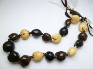 Tri-Color (Black Brown & White) Kukui 18 Nuts Choker