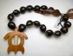 Brown Kukui (18-Nuts) with Large Natural Wood Turtle Pendant