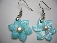 25mm Blue MOP Flower with Pearl in Rhodium Plated Earring Hook