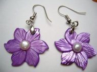 25mm Purple MOP Flower with Pearl in Rhodium Plated Earring Hook