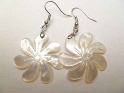 30mm White Mother of Pearl Shell Tiare Flower Earring