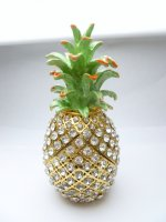 "5"" White Crystal Pineapple Jewelry Box"