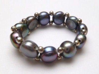Single Strand Black Fresh Water Pearl Stretchy Ring
