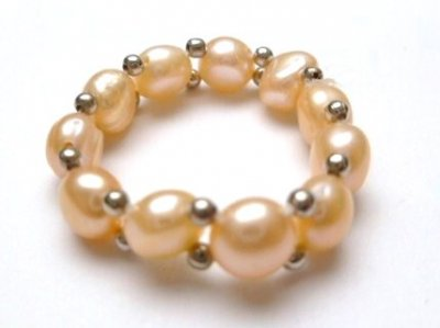 Single Strand Peach Fresh Water Pearl Stretchy Ring