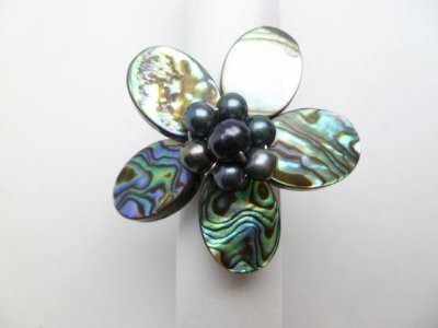 35 mm Abalone Flower Shell with Black Fresh Water Pearls Ring