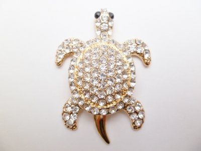 "2"" White Crystal Turtle Magnet"