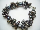 Black Twisted Fresh Water Pearl Bracelet 8.5""